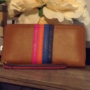 Fossil wallet with wristlet